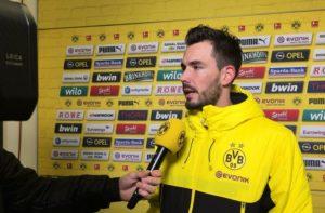 Roman Buerki, kiper Borussia Dortmund, meminta Pierre-Emerick Aubameyang tak lagi bertindak bodoh.