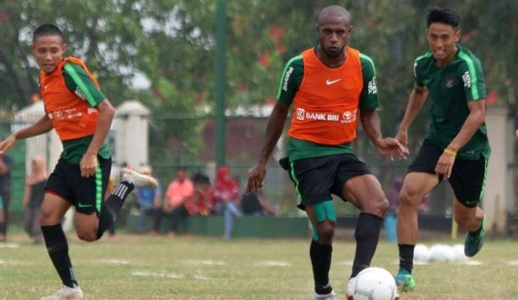 Para pemain timnas Indonesia berlatih jelang lawan Mauritius.