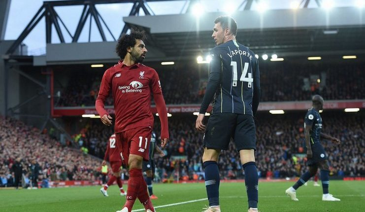 mohamed salah tatap aymeric laporte-liverpool vs man city