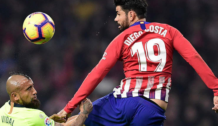 Gol Diego Costa saat Atletico Madrid vs Barcelona (Twitter @IndyFootball)