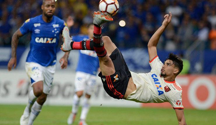 Lucas Paqueta berharap dapat menyamai performa Kaka saat membela AC Milan nanti.