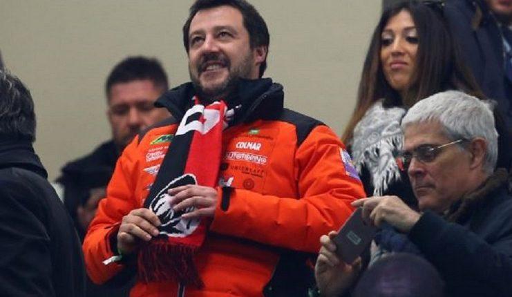 Matteo Salvini menyebut Gonzalo Higuain sosok mata duitan.