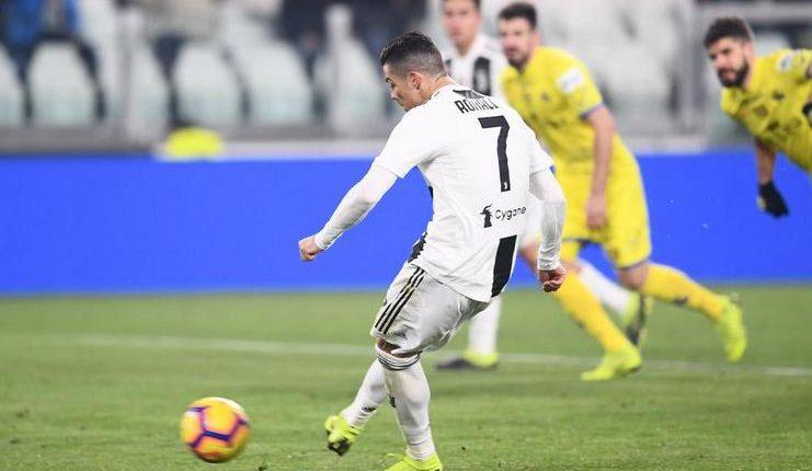 Penalti Ronaldo saat Juventus hadapi Chievo berhasil digagalkan Stefano Sorrentino.