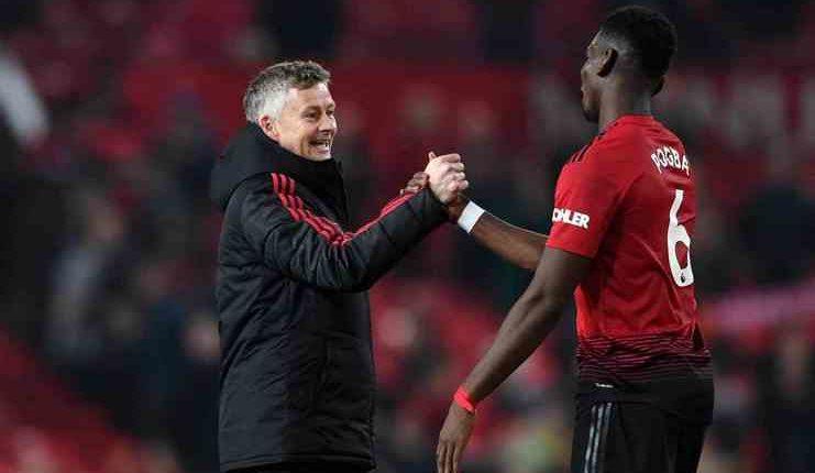 Solskjaer tegaskan Manchester United harus membidik gelar musim ini.