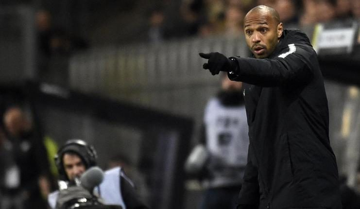 Thierry henry dipastikan tak akan lagi memberikan komando kepada pemain AS Monaco dari pinggir lapangan.