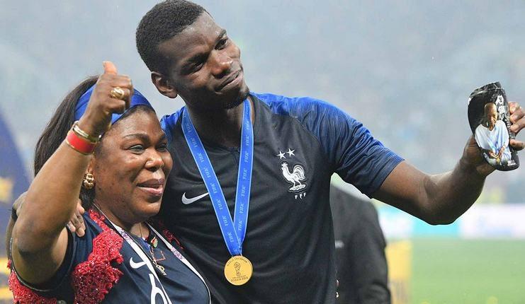 Yeo Moriba ikut merayakan keberhasilan Paul Pogba menjuarai Piala Dunia bersama timnas Prancis.