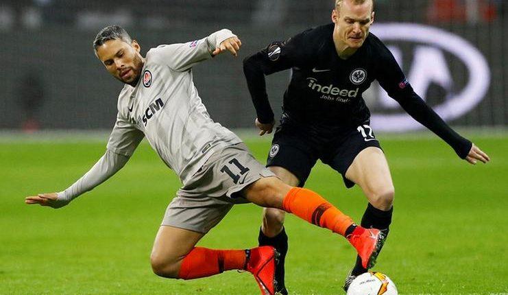 Eintracht Frankfurt tetap perkasa meski menghadapi Shakhtar Donetsk pada babak 32-besar Liga Europa.