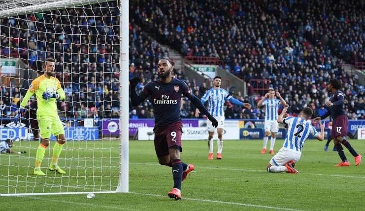 Kemenangan atas Huddersfield membuat Unai Emery yakin Arsenal masih berpeluang finis di 4-besar.