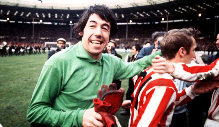Kostum seperti milik Gordon Banks akan dipakai Jack Butland saat Stoke City melawan Aston Villa.