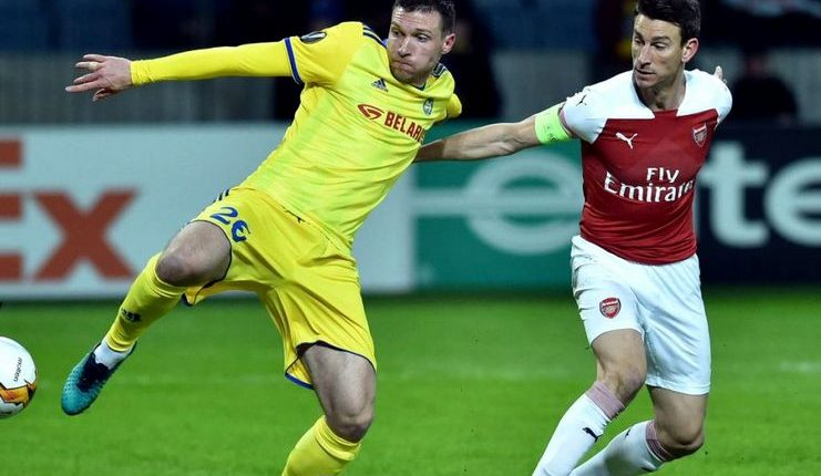 Laurent Koscielny ditarik dari lapangan oleh Unai Emery saat Arsenal mengalahkan BATE Borisov.