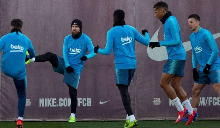 Lionel Messi saat menjalani latihan bersama Barcelona jelang El Clasico di semifinal Copa del Rey.