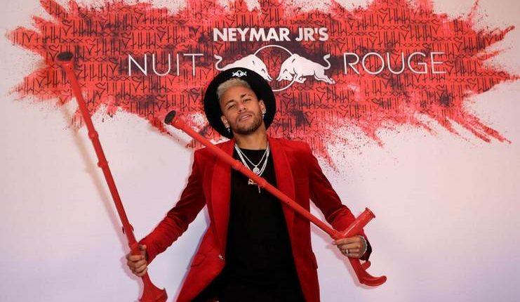 Neymar akan kembali ke Brasil dengan tetap didampingi tim medis PSG.