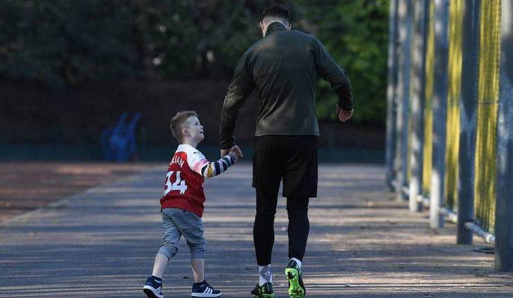 Granit Xhaka menunjukkan persahabatan sejatinya dengan Julian yang menyandang Down Syndrome.