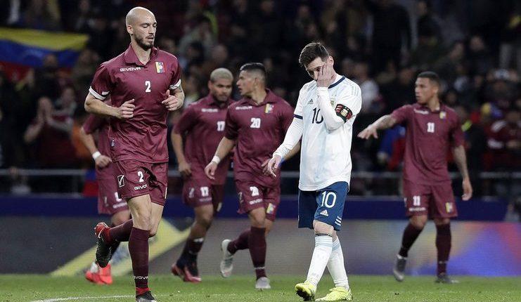 Lionel Messi tak dapat memberikan kemenangan bagi timnas Argentina saat melawan timnas Venezuela.