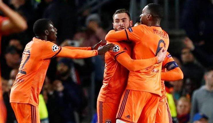 Olympique Lyon sempat meraih asa setelah mencetak gol ke gawang Barcelona.