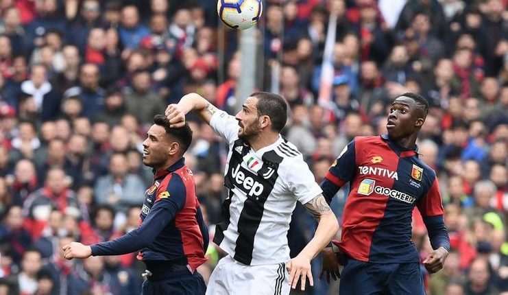 Sebagian fan marah karena laga Genoa vs Juventus tak diwarnai aksi Cristiano Ronaldo.