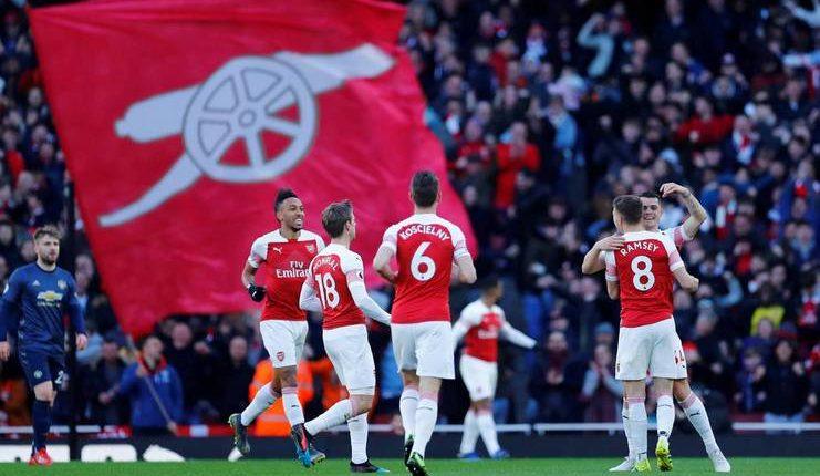 Unai Emery menuntut Arsenal tampil konsisten untuk raih target finis di 4-besar Premier League.