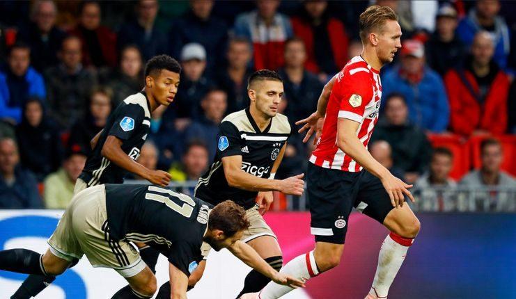 Luuk de Jong kecewa PSV kalah konsisten dari Ajax pada Eredivisie musim ini.