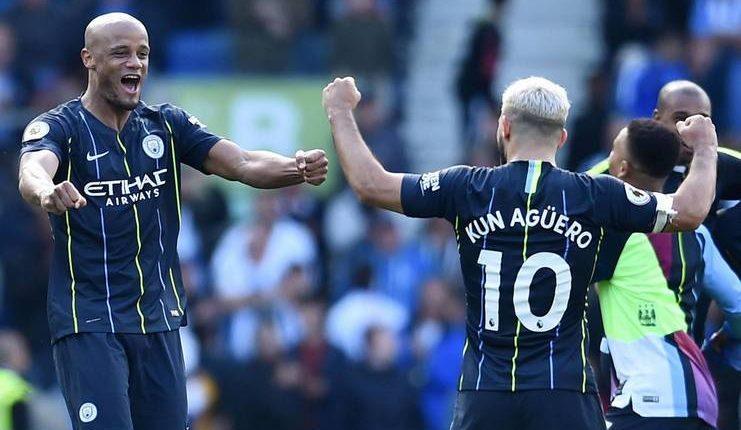 Vincent Kompany menilai tekanan Liverpool terhadap Manchester City musim ini sungguh luar biasa.