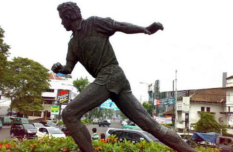 LEGENDA: Ajat Sudrajat, Jari Tengah dan Kebanggan Persib Bandung