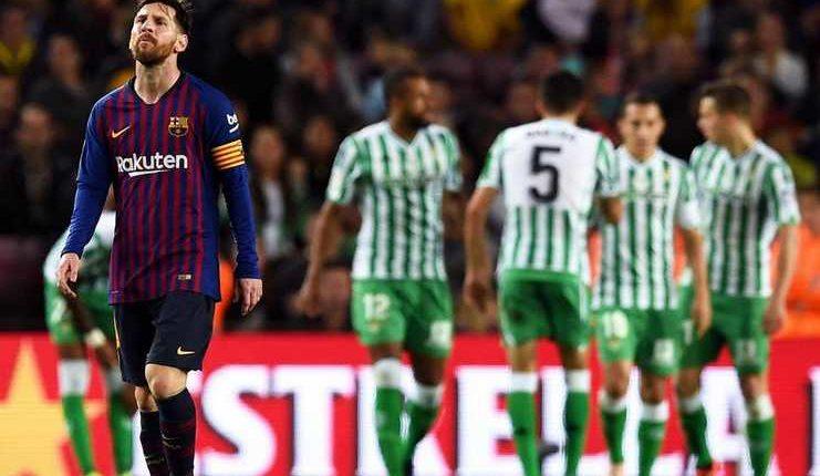 Lionel Messi menurut Luis Suarez sangat kecewa oleh anggapan dirinya menyetir ruang ganti Barcelona.