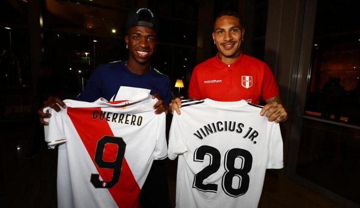 Vinicius Jr. menemui Jose Paolo Guerrero di hotel timnas Peru sebelum laga melawan Bolivia.