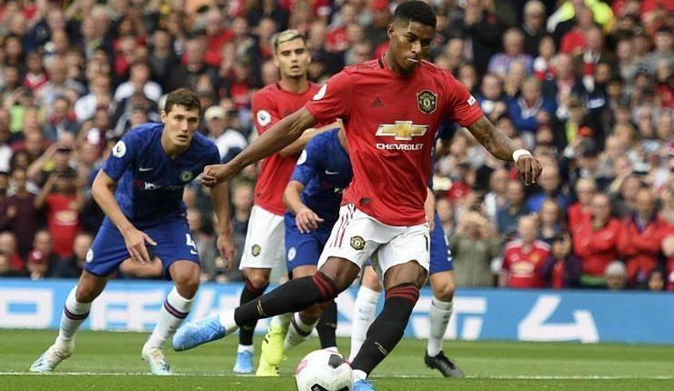 Marcus Rashford dengan baik mengeksekusi penalti saat Manchester United melawan Chelsea.