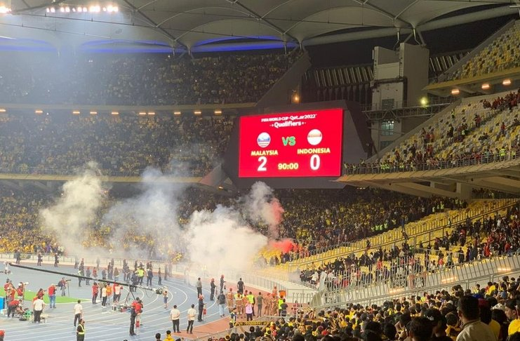 Malaysia vs Indonesia - suporter - Bernama