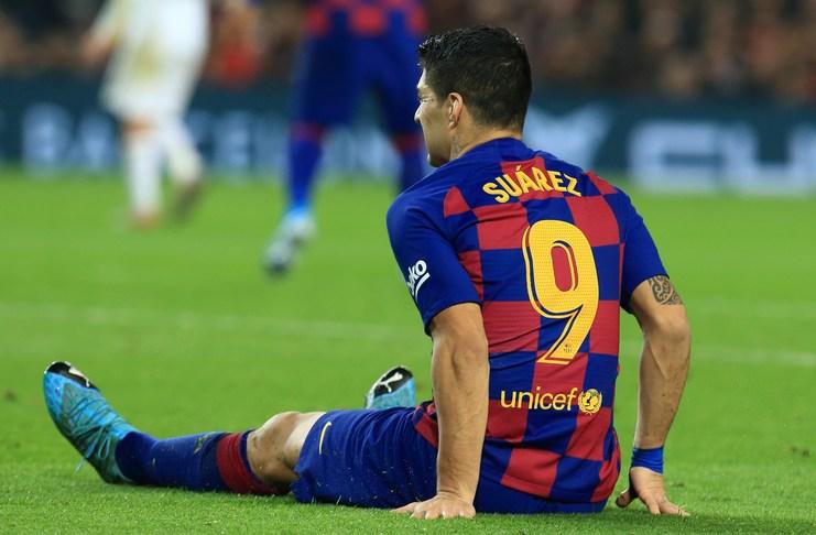 Cedera Luis Suarez membuat Barcelona butuh striker baru.